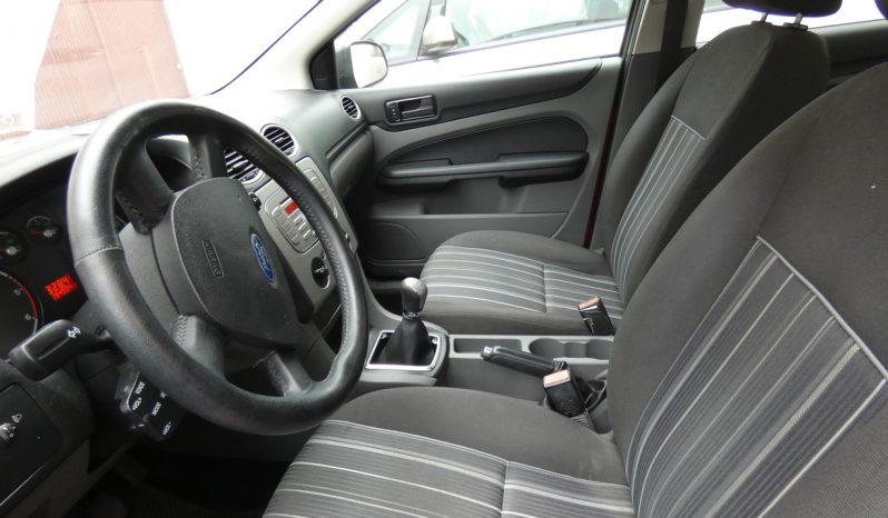 Ford Focus Hatchback 1.6 TDCI 90 CV full