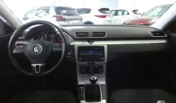 Volkswagen Passat 1.6 TDI Bluemotion full